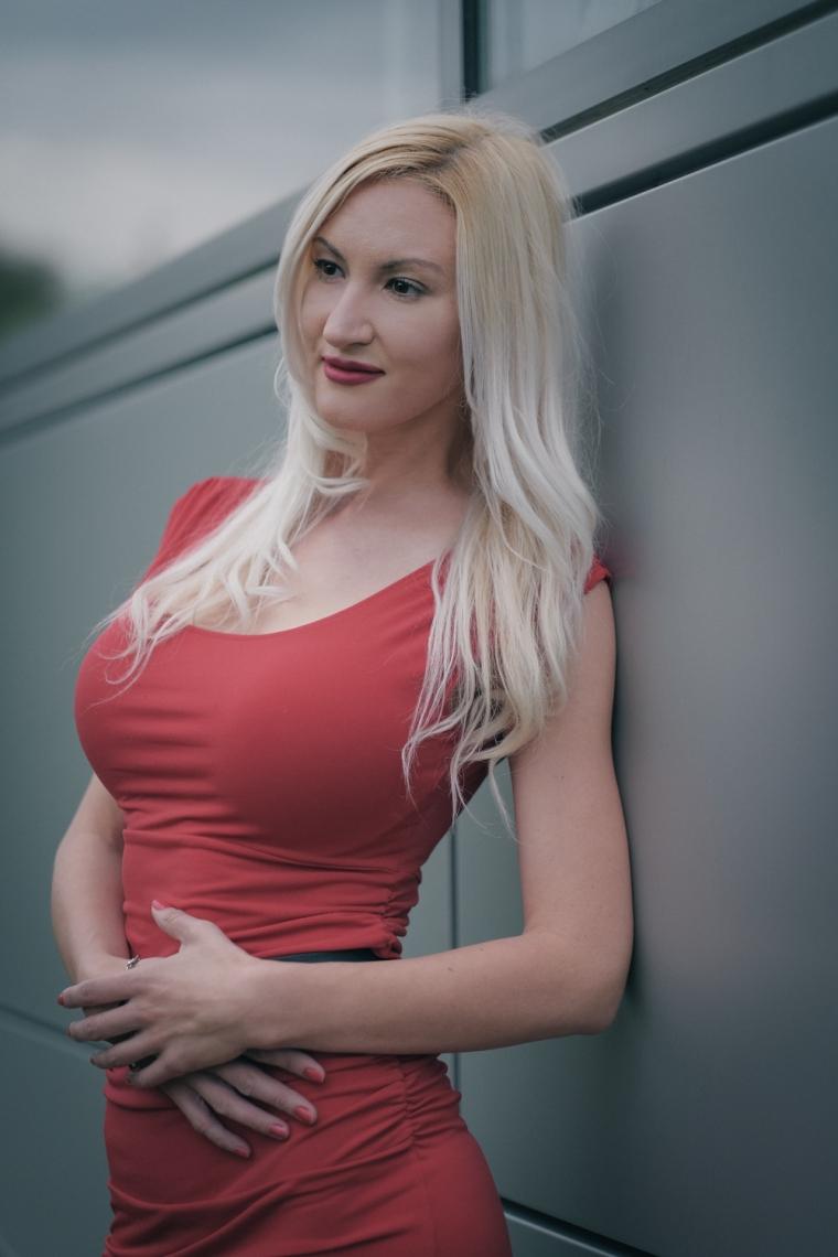 Adrianne Lee-10