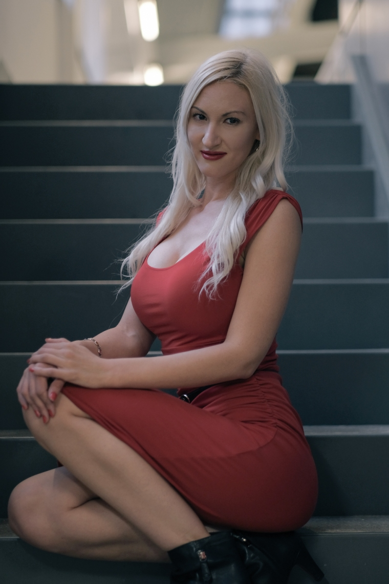 Adrianne Lee-11