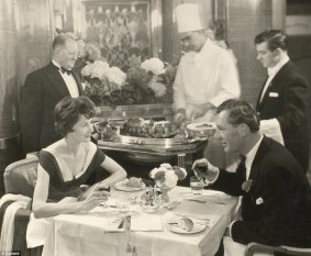 26C3FB0800000578-3000444-A_dining_couple_enjoys_a_meal_during_their_cruise_The_first_Cuna-a-12_1426846806793